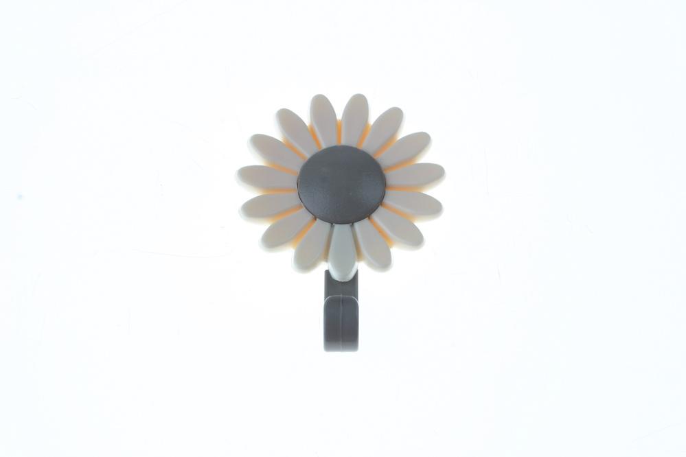 háček samolepící květina